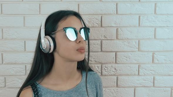 Headphones Glasses